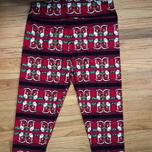 LuLaRoe holiday leggings.